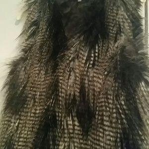 Vest Faux Fur Sz8 Divided H&M
